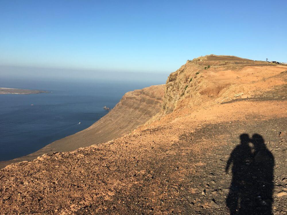 Lanzarote Blick von der Steilküste nach la Graciosa
