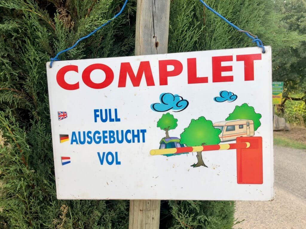 """Campingplatz in der Ardeche """"Complet"""""""